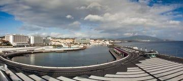 Mening aan de stad van Ponta Delgada Stock Foto's