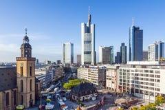 Mening aan horizon van Frankfurt royalty-vrije stock fotografie