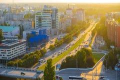 Mening aan Leninsky-vooruitzicht in avond Kaliningrad Stock Afbeelding