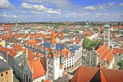 Mening aan oud stadhuis in München Stock Afbeelding