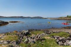 Mening aan overzees van het zuiden van Arisaig Schotland het UK van Mallaig in Schotse Hooglanden een kustdorp Stock Afbeelding