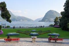 Mening bij de baai van Lugano van de botanische tuin Royalty-vrije Stock Afbeeldingen