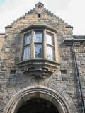 Mening bij de belangrijkste poort, op binnenland van het Kasteel van Edinburgh royalty-vrije stock foto's