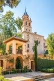 Mening bij de kerk van Santa Maria Alhambra in Granada, Spanje Royalty-vrije Stock Afbeelding