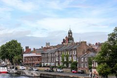 Mening bij de stadscentrum van York en rivieroever in September 2018 stock afbeeldingen