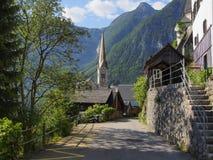 Mening bij Kerk in Hallstatt stock afbeelding