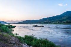 Mening bij Mekong rivier stock foto's