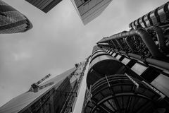 Mening die naar omhoog tonend Lloyds van Londen die op Kalkstraat voortbouwen, ` Cheesegrater `, 122 Leadenhall, en de Augurk bek Royalty-vrije Stock Afbeelding