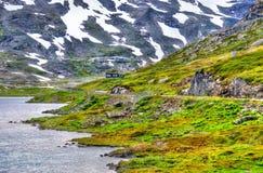Mening die van Djupvatnet-meer 1016 meter boven overzees - niveau liggen - Noorwegen Stock Fotografie