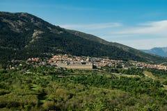Mening naar het Koninklijke Klooster van San Lorenzo del Escorial Stock Foto's