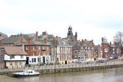 Mening op de stadscentrum van York voor rivier Stock Afbeeldingen