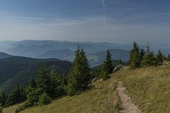 Mening op het gebied van Velky Choc in de bergen van Slowakije Royalty-vrije Stock Afbeelding