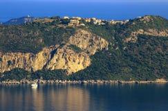 Mening over Afionas op het eiland van Korfu Stock Afbeeldingen