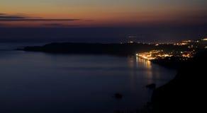 Mening over Arillas Agiou Georgiou & x28; Korfu island& x29; door zonsondergang Stock Afbeelding