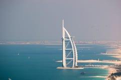Mening over Burj Al Arabier in Doubai, Stock Afbeeldingen