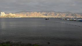 Mening over de Aqaba-golf dichtbij Eilat, Israël stock videobeelden