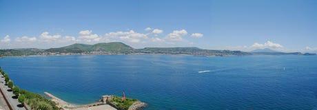Mening over de Baai van pozzuoli stock foto