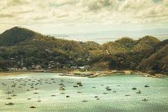 Mening over de baai van San Juan del Sur, Nicaragua Stock Fotografie