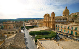 Mening over de barokke stad van Noto in Sicilië Royalty-vrije Stock Foto