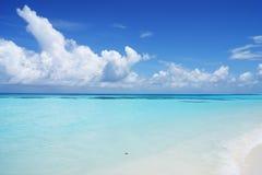 Mening over de Eilanden van de Maldiven van vliegtuig stock fotografie