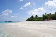 Mening over de Eilanden van de Maldiven van vliegtuig kust Stock Foto