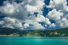 Mening over de lagune/de haven Charlotte Amalie in Heilige Thomas stock afbeeldingen