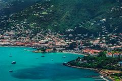 Mening over de lagune/de haven Charlotte Amalie in Heilige Thomas stock afbeelding