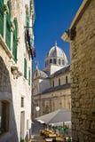 Mening over de medival paleisnad St.James kathedraal Royalty-vrije Stock Afbeeldingen
