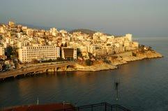 Mening over de stad van Kavala, Griekenland, bij zonsondergang Royalty-vrije Stock Foto's