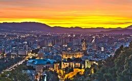 Mening over de Stad van Malaga bij nacht, het beeld van HDR Stock Foto