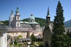 Mening over de torens van Salzburg, Oostenrijk Royalty-vrije Stock Fotografie