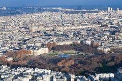 Mening over de tuinen van Luxemburg en panorama van Parijs Stock Afbeelding