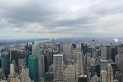 Mening over de wolkenkrabbers van New York Stock Foto's