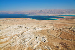 Mening over dode overzees van Masada, Israël stock afbeelding