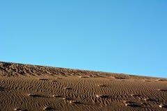 Mening over duin in Atacama-woestijn in Chili stock afbeelding
