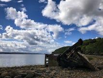 Mening over een steenstrand in noordelijk Schotland Royalty-vrije Stock Foto's