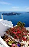 Mening over Fira Santorini, Griekenland met zijn typische witte huizen Stock Afbeelding