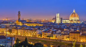 Mening over Florence bij nacht royalty-vrije stock fotografie