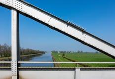 Mening over het kanaal en Wesermarsch Royalty-vrije Stock Fotografie