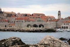 Mening over het panorama van de haven - Dubrovnik stock afbeeldingen