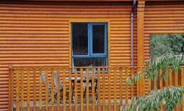 Mening over het venster en de veranda Stock Foto's