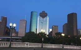 Mening over Houston Van de binnenstad bij de Daling van de Nacht Royalty-vrije Stock Foto's