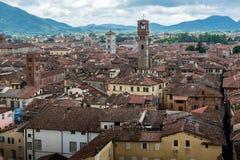 Mening over Italiaanse stad Luca Royalty-vrije Stock Afbeelding