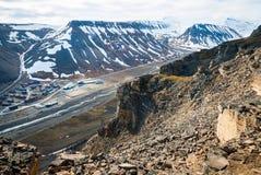 Mening over Longyearbyen van hierboven, Svalbard Stock Afbeelding