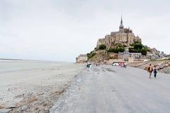 Mening over Mont Saint-Michel, Frankrijk Stock Foto