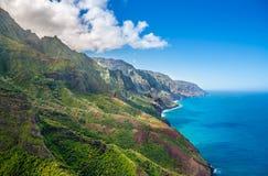 Mening over Napali-Kust op het eiland van Kauai op Hawaï Stock Foto's