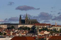 Mening over Oude Stad, het Kasteel Heilige Vitus Cathedra van Praag Praag, Tsjechische Republiek Stock Foto's