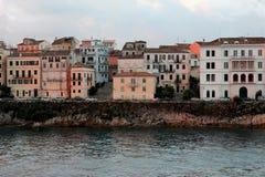 Mening over oude stad van het Ionische overzees Zonsopgang over de oude stad Stock Foto