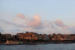 Mening over oude stad van het Ionische overzees Zonsopgang over de oude stad Royalty-vrije Stock Afbeeldingen