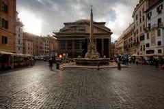 Mening over Pantheon in Rome Royalty-vrije Stock Afbeeldingen